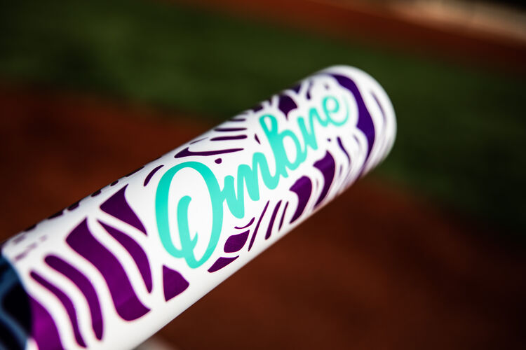 Barrel of a Rawlings Ombre -11 softball bat with a field in the background - SKU: FPZO11