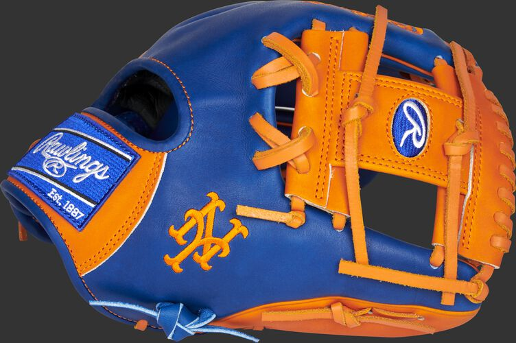 Thumb of a 2021 New York Mets Heart of the Hide glove with the Mets logo on the thumb - SKU: RSGPRO204-2NYM