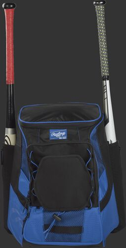 Front of a royal/black R600 Rawlings players team backpack with a bat in each of the side compartments
