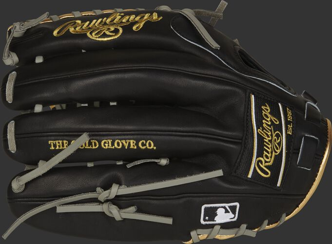 Black fingers of a Pro Preferred Trap-Eze web glove with a black Rawlings patch and MLB logo on the pinkie - SKU: PROSMT27B