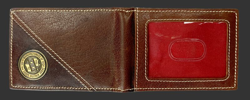 Back of a Buffalo Voyager front pocket with a clear ID window on the right side - SKU: MW497-202