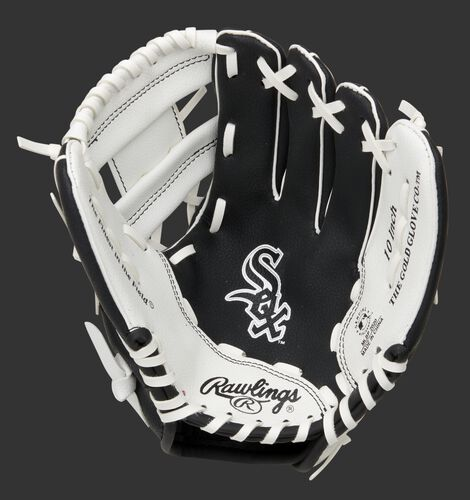 A black/white Rawlings Chicago White Sox youth glove with the White Sox logo stamped in the palm - SKU: 22000029111
