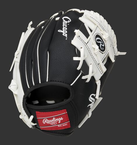 Back of a black/white Chicago White Sox 10-Inch I-web glove with a red Rawlings patch - SKU: 22000029111