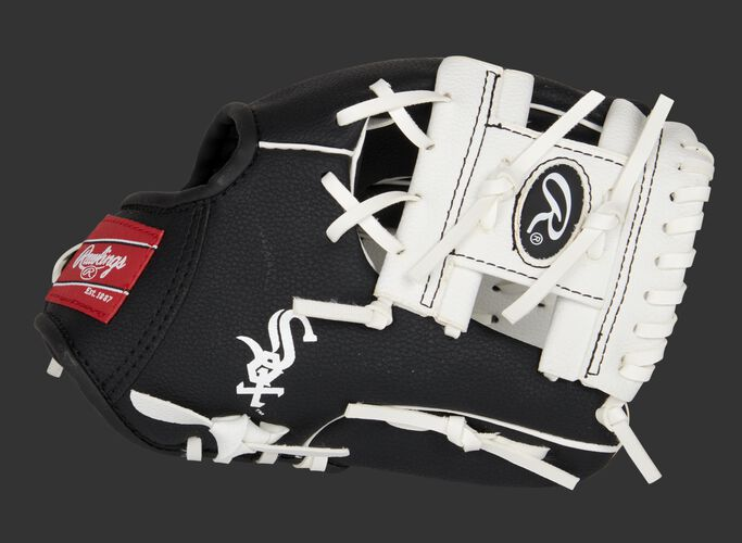 Thumb of a black/white Chicago White Sox 10-inch team logo glove with a white I-web and Sox logo on the thumb - SKU: 22000029111