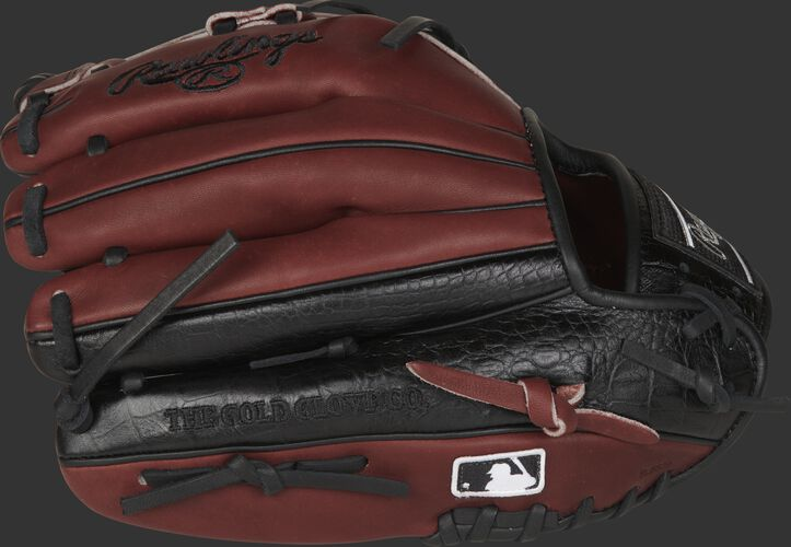 A HOH Exclusive infield glove with a sherry back & black, croc-embossed leather on the pinky/ring finger - SKU: PROTT2-19SHC