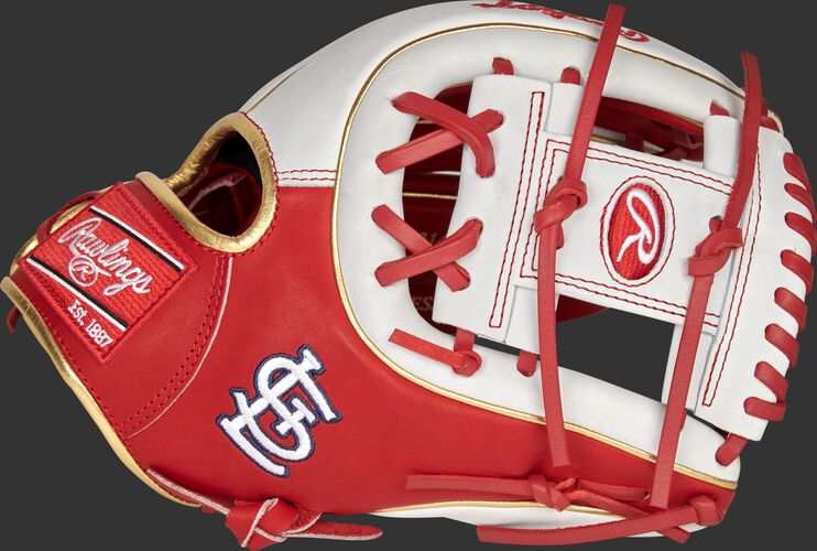 Thumb of a 2021 St. Louis Cardinals Heart of the Hide glove with the Cardinals logo on the thumb - SKU: RSGPRO314-2STL