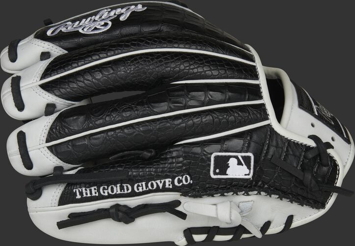 Black croc finger backs of a Heart of the Hide R2G infield glove with the MLB logo on the pinkie - SKU: PROR204-2BCW