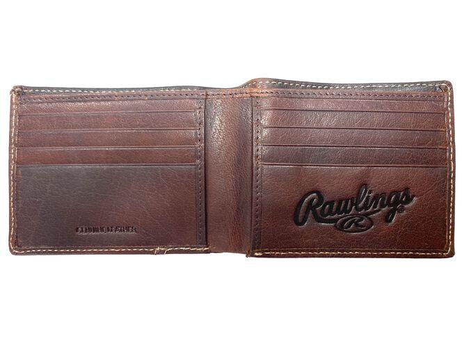 Inside of a Rawlings Buffalo Voyager bi-fold wallet with multiple credit card slots - SKU: MW487-202